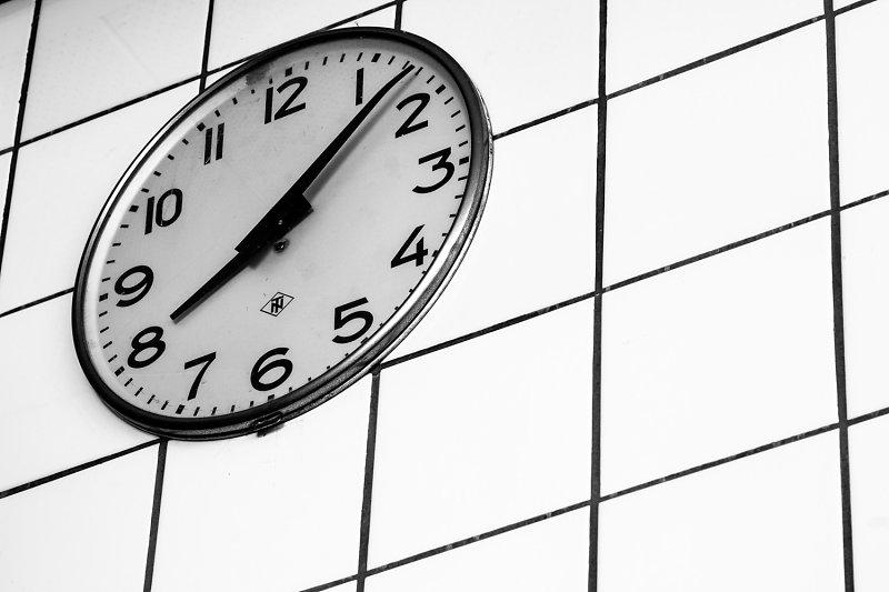 Die Zeit ist abgelaufen - Hermann Weiss